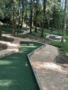 mini-golf-pareloup-rodez-millau